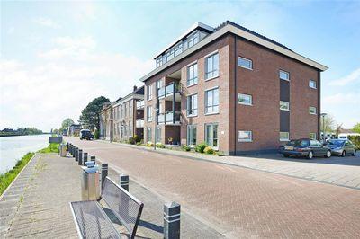 Winschoterdiep 8, Zuidbroek