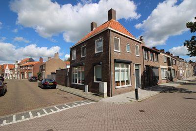 Zuidzandsestraat 26, Oostburg