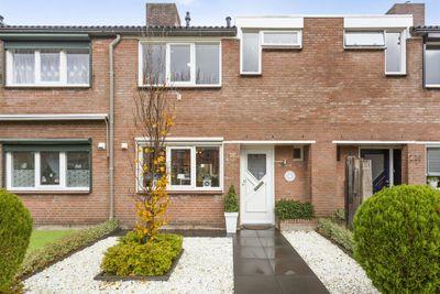 Ambrozijnberg 212, Roosendaal