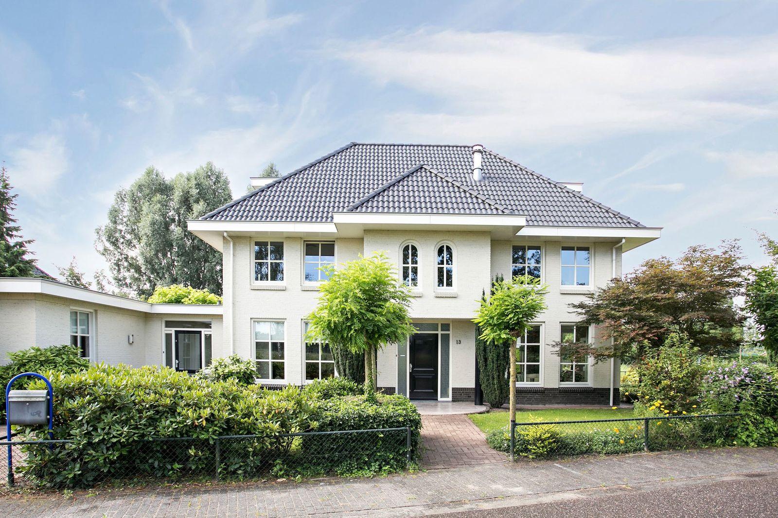 Wilgeroosbeek 13, Helmond