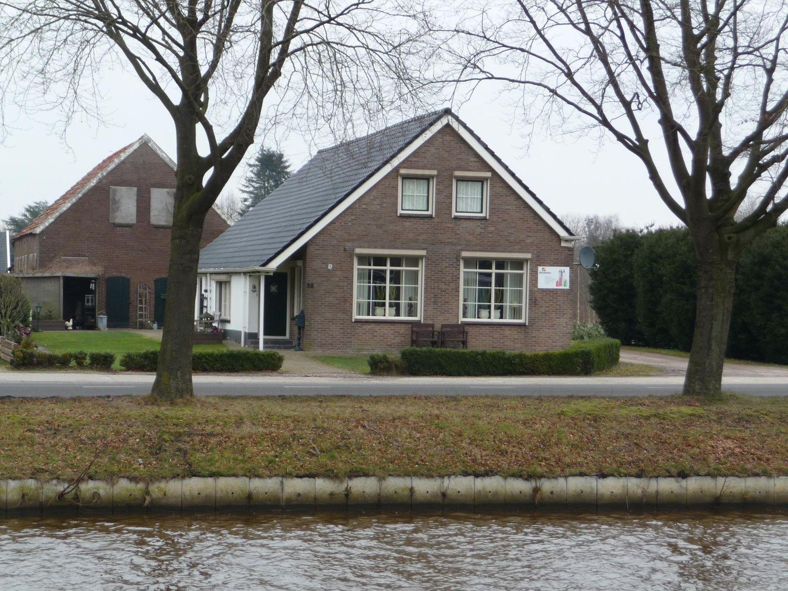 Vaart NZ 98, Nieuw-Amsterdam