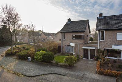 Ambrozijnberg 25, Roosendaal