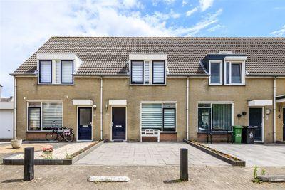 Leijgraafstraat 22, Veghel