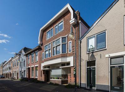 Raadhuisstraat 215B, Alphen aan den Rijn