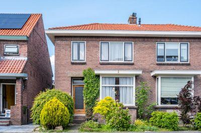 Burgemeester Trooststraat 9, Waddinxveen