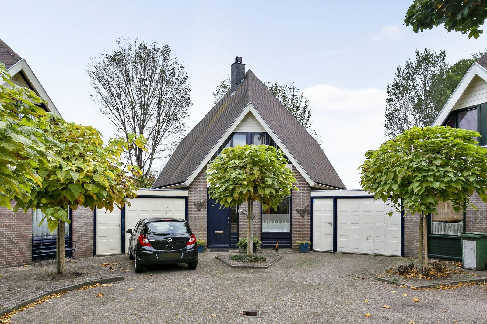 Ambrozijnberg 180, Roosendaal