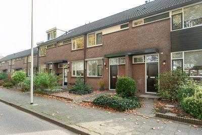Gemeenlandskade 4, Hendrik-Ido-Ambacht