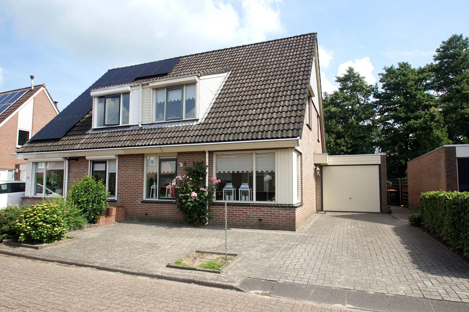 Veenlanden 74, Steenwijk
