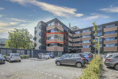 Zandsteen 23, Hoorn