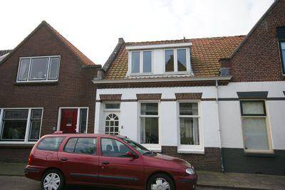 Van Aerssenstraat 8, Sommelsdijk