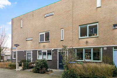 Guurtje Riemenshof 21, Leiden