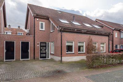 Lijsbeth van Villeynstraat 17, Helmond