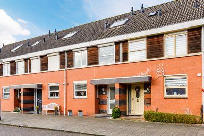 Aalborg Haackslaan 28, Hendrik-Ido-Ambacht