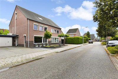 Veldbloemstraat 63, Weert