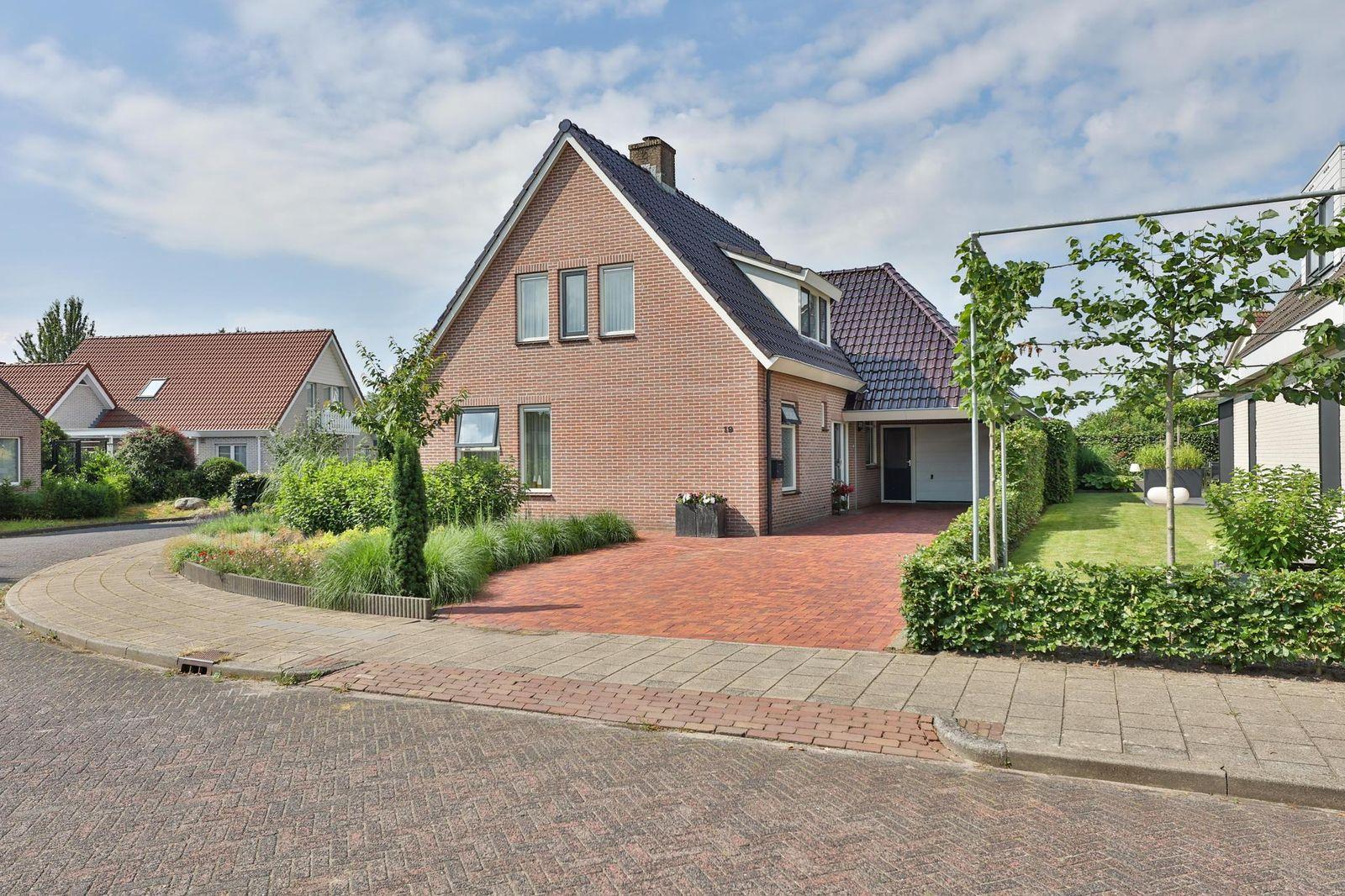 Dotterbloem 19, Hoogeveen