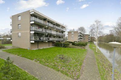 Weegbreestraat 98, Nieuw-vennep