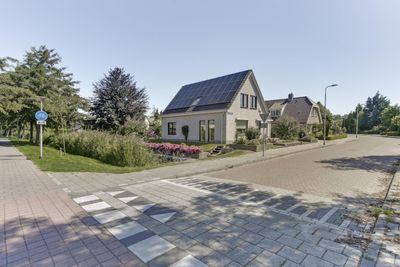 Land van Altena 6, Emmeloord