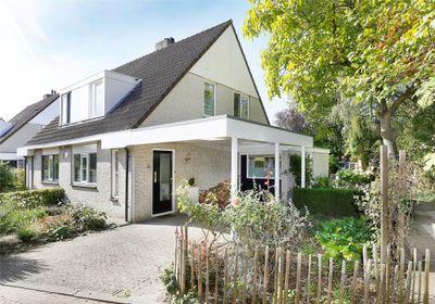 Bloemkeshof 10, Zaltbommel