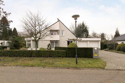 Overhorst 13, Helmond
