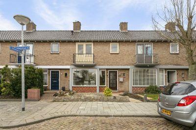 Hazelaarstraat 49, Winschoten