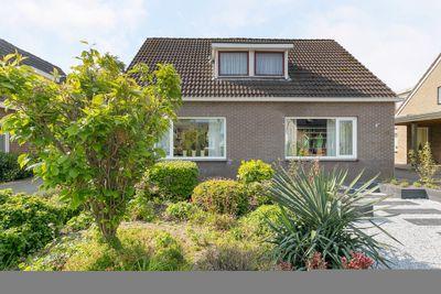 Jhr. M.W.C. de Jongestraat 54, Klazienaveen