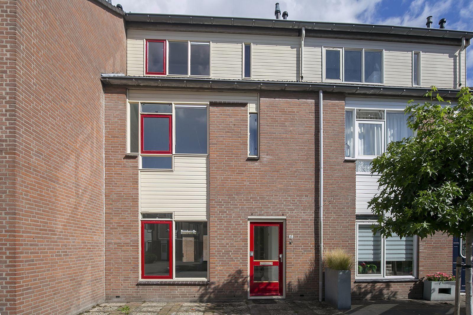 Dovenetel 15, Heerenveen