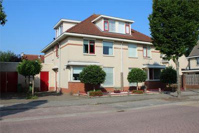 Burg Van Heugtenlaan 102, Nieuwerkerk A/D IJssel