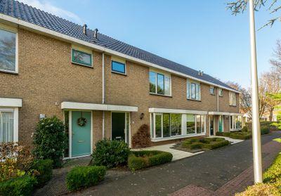 Van den Rijnstraat 22, Maasdijk