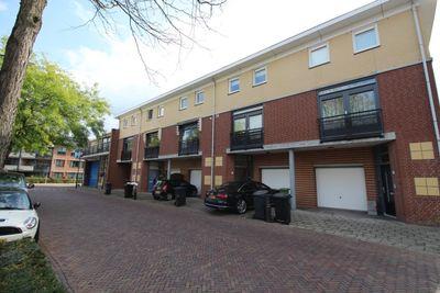 Michiel de Ruyterstraat, Waalre