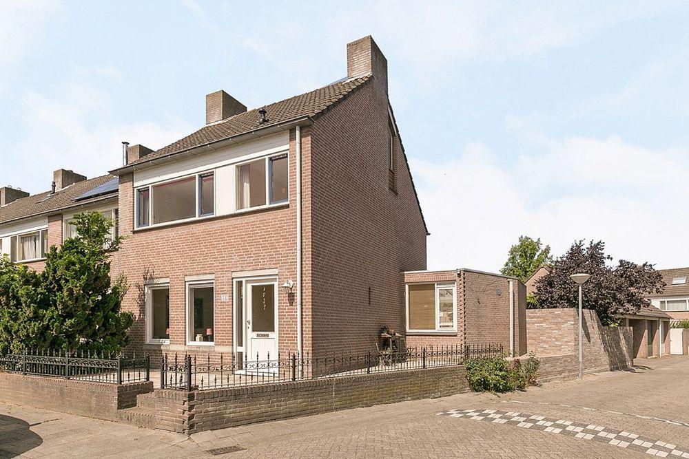Straatsburglaan 51, Eindhoven