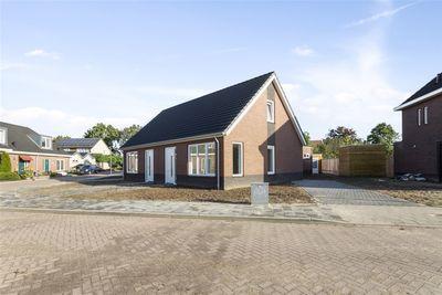 Heymanshof 9, Megchelen