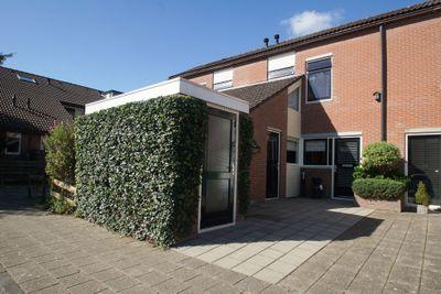 Oostercluft 516, Steenwijk