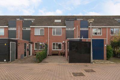 Wethouder Van Gentplein 11, Moordrecht