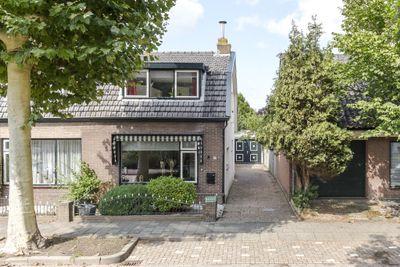 Dorpstraat 14, Nieuw-vennep