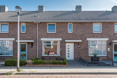 Cortenbachstraat 38, Helmond
