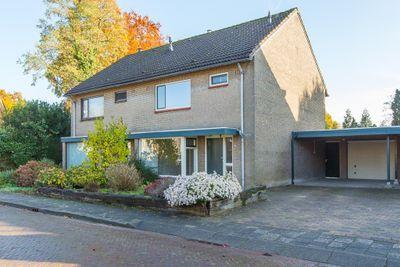 Graaf Lodewijkstraat 5, Heumen