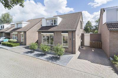 Amberberg 17, Roosendaal