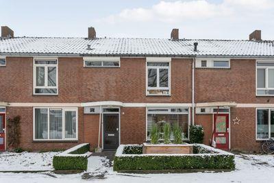 Kruisbekstraat 5, Helmond