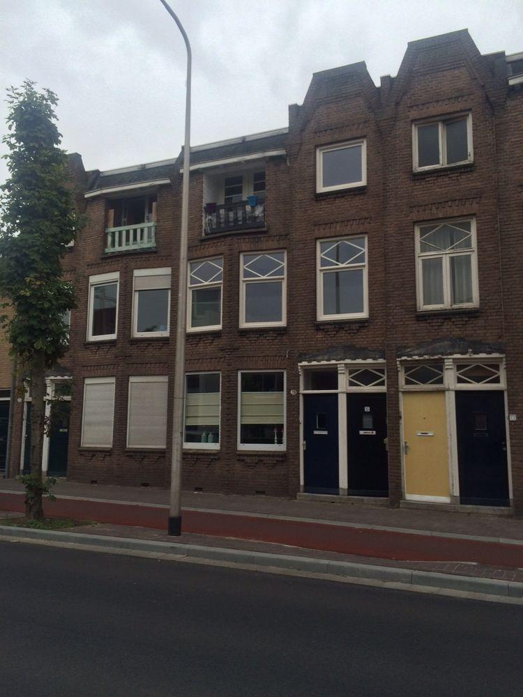 Broekhovenseweg 15, Tilburg