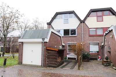Esdoornhof 121, Kampen