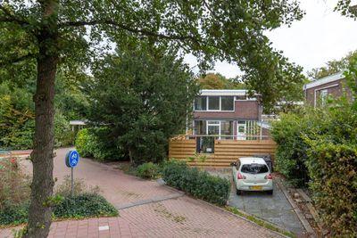 W. Warnaarlaan 31, Sassenheim