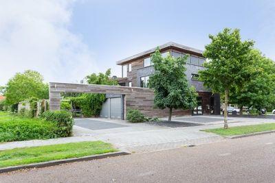 Jo Van Ammersstraat 6, Rijen