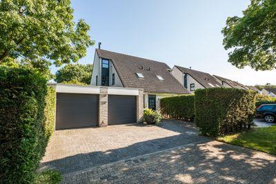 Slingebeekstraat 64, Almere