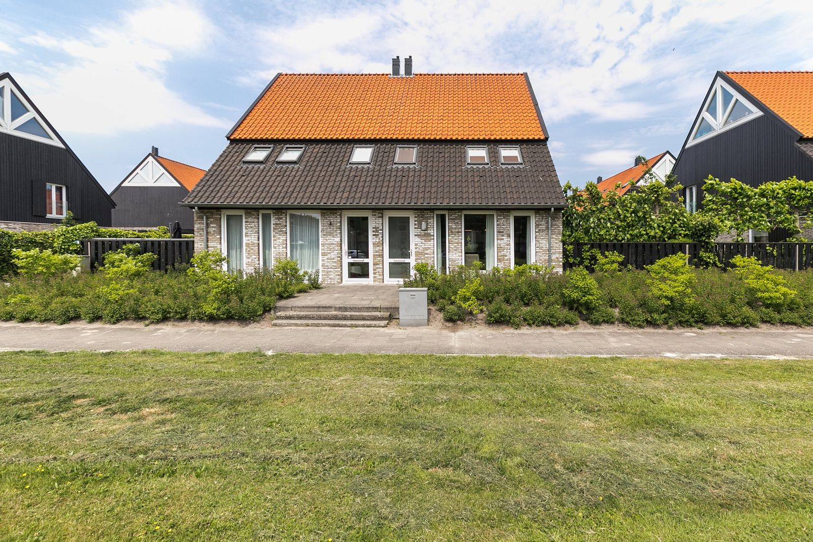 Wega 4, Hoogeveen