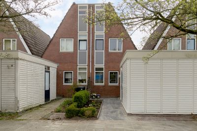 Zwanebloem 14, Leeuwarden