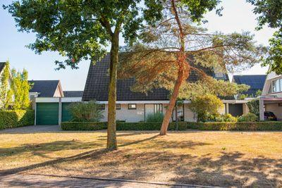 Houttuinen-Noord 33, Apeldoorn
