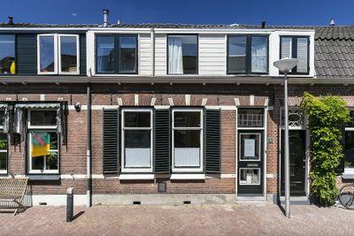J.W.C. Bloemstraat 13, Alphen Aan Den Rijn