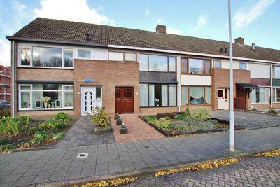 Jacobus van Looystraat 4, Terneuzen