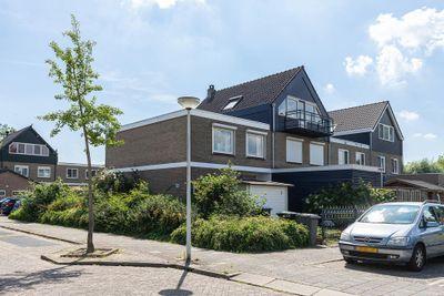 Karel Doormanlaan 8, Papendrecht