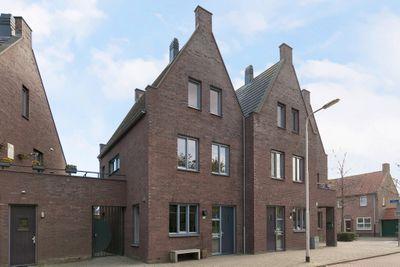 Ringbaan-West 136, Tilburg